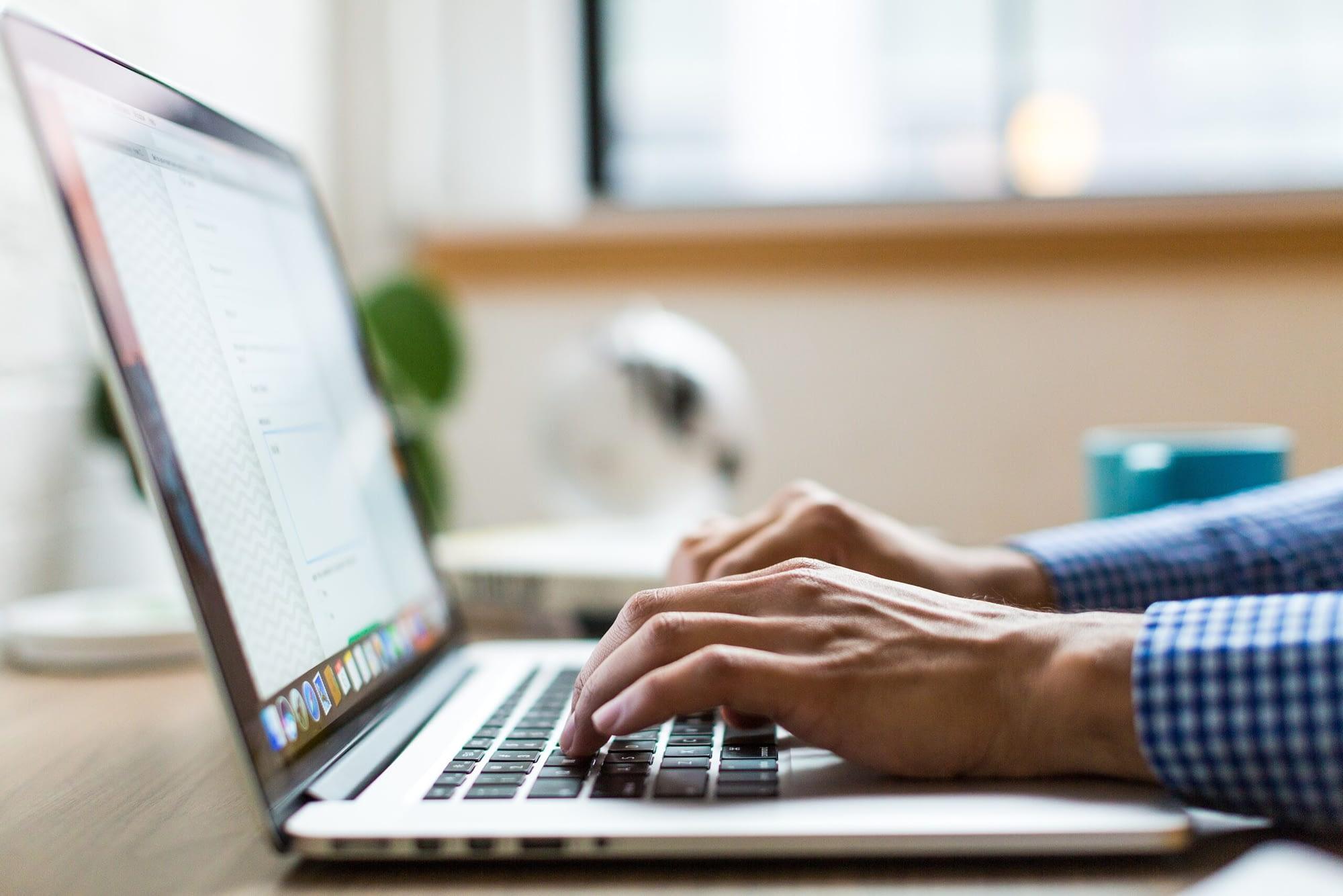 eye strain ergonomic laptop use